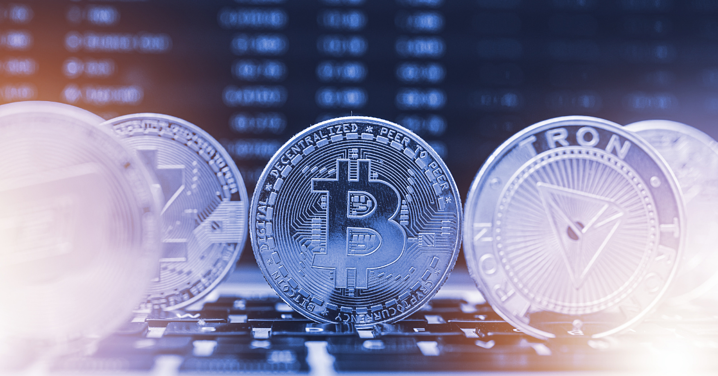 Crypto Crashes! Do Not Lose Sight of Central Banks' Policy Divergence