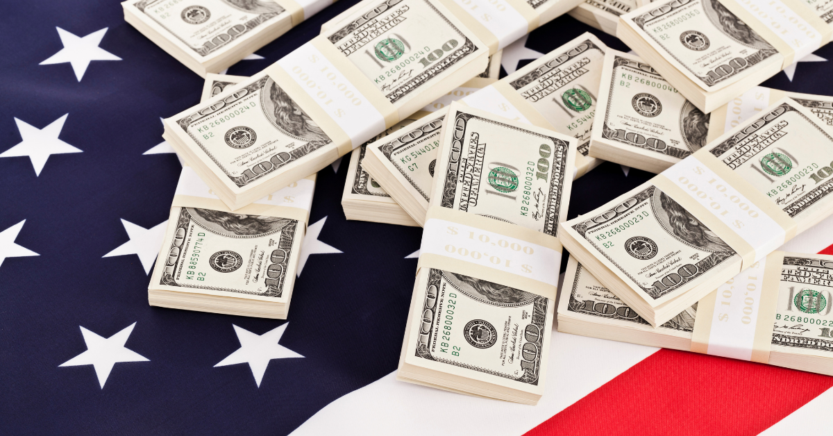 Dollar to Move Higher Amid Risks and FOMC