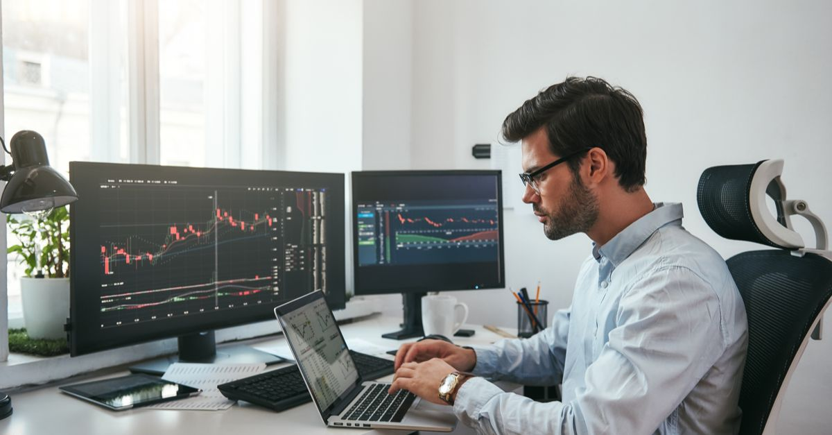 How to Trade Forex Even With a Full-time Job and Earn on the Side